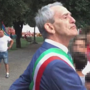 """Il sindaco di Cerignola: """"Non abbandonerò il bambino bocciato, l'ho rimproverato come un nonno"""""""