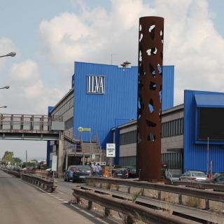 Ex Ilva, annullata l'ordinanza del sindaco: niente stop degli impianti dell'area a caldo