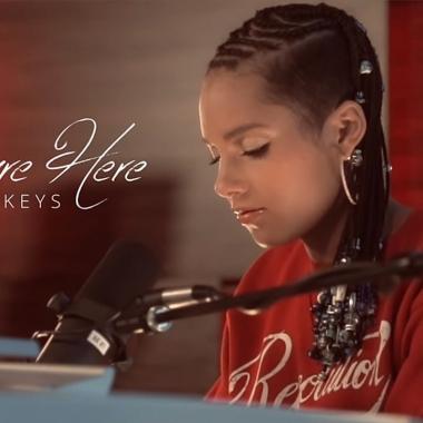 """Musica – """"Here"""" è il nuovo album di Alicia Keys"""