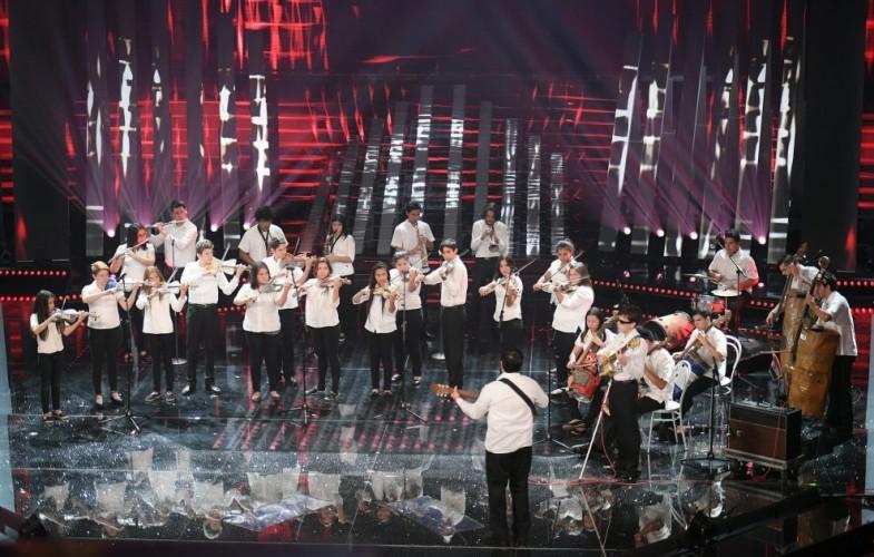 Sanremo – La serata dei sentimenti. Emozione per i ragazzi del Paraguay