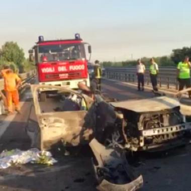 Incidente stradale a Trani, 3 morti. Identificate le vittime. Arrestato automobilista ubriaco
