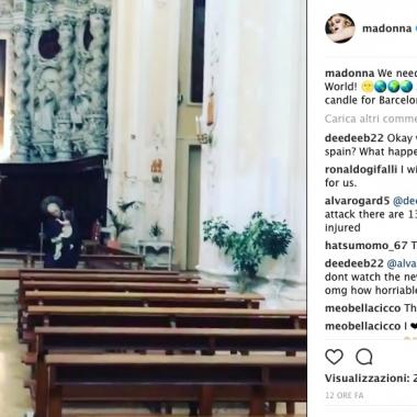 Madonna prega per le vittime di Barcellona