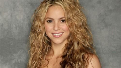 Musica – Shakira: problemi alle corde vocali