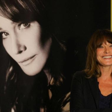 """Musica – Carla Bruni:""""Jagger mi ha fatto i complimenti"""""""