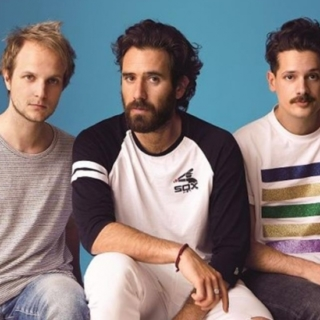 Musica - TheGiornalisti, una tracheite blocca la band