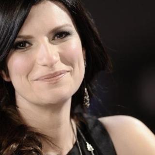 """Musica - Laura Pausini premiata per  """"io sì"""""""