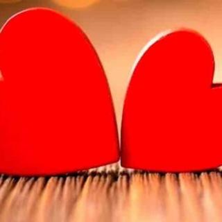 San Valentino, invia i tuoi messaggi d'amore a Radionorba #radionorbatiamo