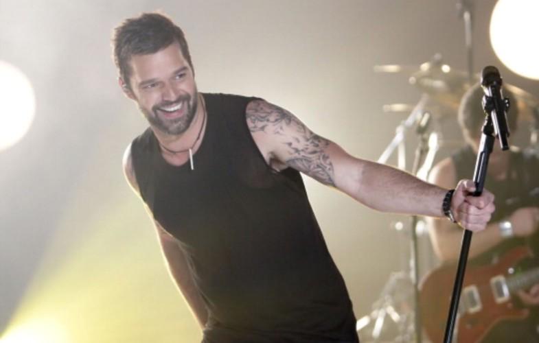 Musica – Amici: Maria chiama Ricky Martin