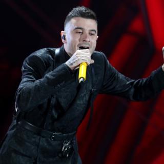 Musica - Junior Cally da Sanremo al calcio