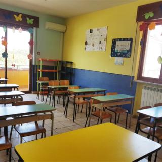 Scuola - Si studia la ripartenza. Ipotesi ritorno a settembre in presenza per elementari e medie