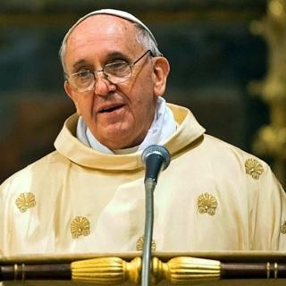 "L'Angelus di Papa Francesco dall'ospedale: ""Sanità accessibile a tutti"""