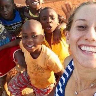 Silvia Romano è libera, fu sequestrata nel 2018 in Kenya dove assisteva gli orfani