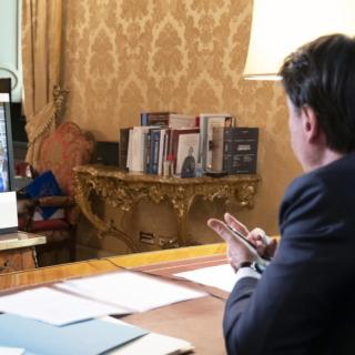 Stati generali - Il premier Conte incontra gli artisti italiani