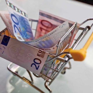 Cresce la fiducia dei consumatori e delle imprese nonostante l'aumento dei contagi