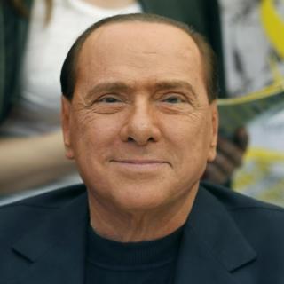 Covid 19 - Silvio Berlusconi ricoverato a Milano