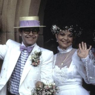 Musica - Accordo tra Elton John e la ex moglie