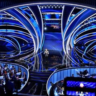 Sanremo 2021 -  Il protocollo  per gli artistia: tamponi prima della partenza e interviste da remoto