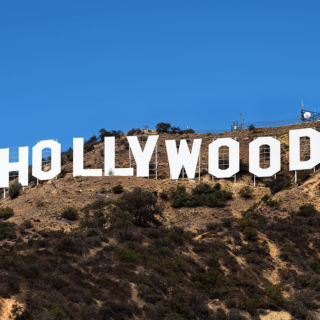 Hollywood - Scandalo vaccini: i vip usano scorciatoie