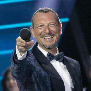 """Sanremo 2021 - Il Ministro Franceschini: """"Niente pubblico"""". Amadeus lascia?"""