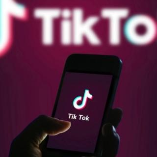 Tik Tok, interviene il Garante della privacy dopo la tragedia di Palermo