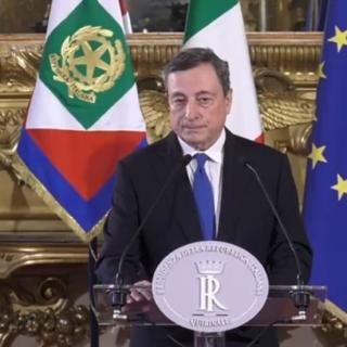 Draghi accetta con riserva l'incarico di formare il governo