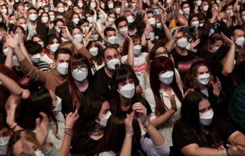 La musica si ribella dopo il via libera al pubblico negli stadi per gli Europei