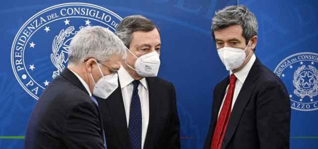 Draghi-sindacati, domani in Cdm il decreto fiscale e sicurezza sul lavoro. Il governo deciderà sui tamponi a costo ridotto