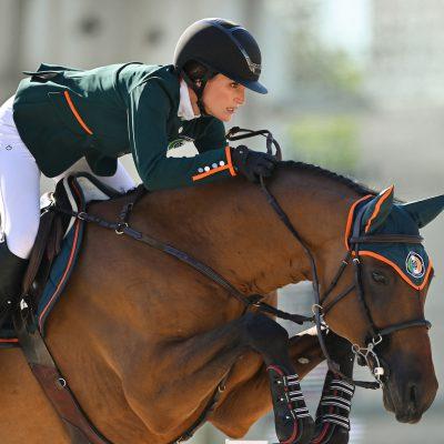 La figlia di BruceSpringsteen fuori dalla finale di equitazione