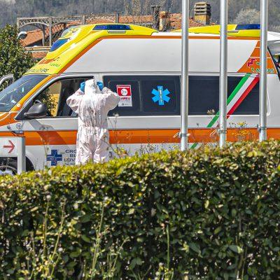 Crollo improvviso durante demolizioni, operaio muore schiacciato in Salento