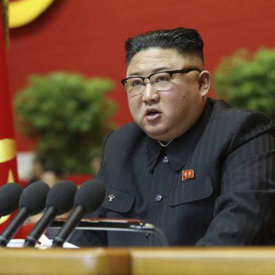 La Corea del Nord dice no a jeans attillati e film stranieri