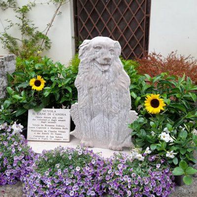 Un monumento per ricordare Nuvola, il cane mascotte che non ha mai abbandonato il suo padrone