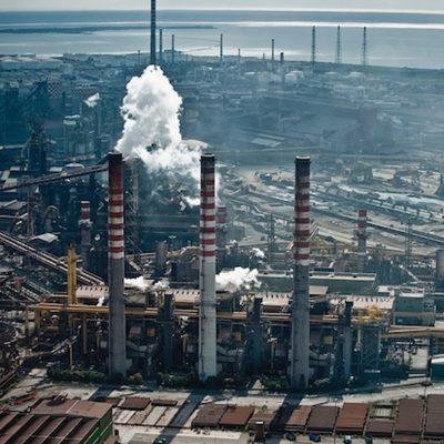 Incidente all'ex Ilva di Taranto. Tre operai inalano gas, uno di loro ricoverato in ospedale