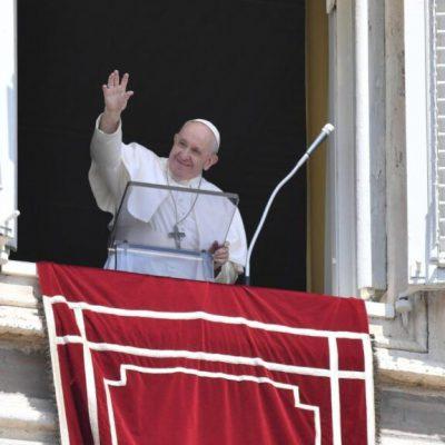 """Scoperti resti di 215 bambini in Canada, il Papa: """"Fare luce sull'accaduto"""""""