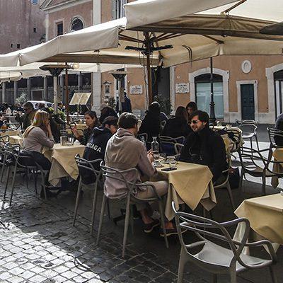 Ristoranti, caos limite a tavola. Entro fine mese tutta Italia in zona bianca