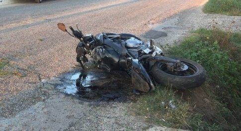 Cade dallo scooter, muore 18enne nel Barese