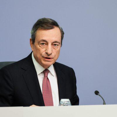 """Draghi: """"Possibile quarantena per chi rientra dall'Inghilterra in caso di aumento dei casi"""""""