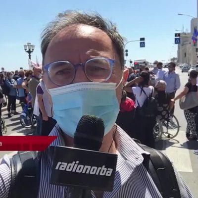 Bari, la protesta dei disabili blocca il lungomare