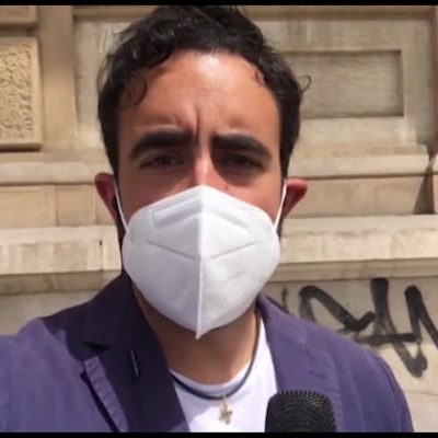 Stop alle mascherine, i cittadini si dividono