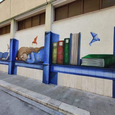 """""""Educhiamo alla bellezza"""": un murale realizzato dagli studenti di una scuola primaria di Bari"""