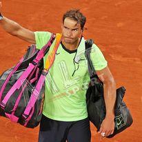 Tennis, forfait a Wimbledon e Tokyo per Nadal