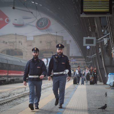 Evade dai domiciliari per incontrare la fidanzata minorenne, arrestato barese a Milano