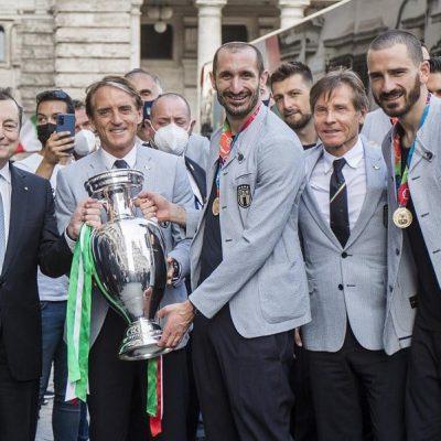 Gravina spegne le polemiche sui festeggiamenti: l'Italia unisce e non divide