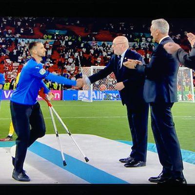 Spinazzola, la squadra lo fa premiare per primo a Wembley