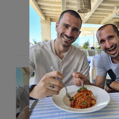 """Bonucci e Chiellini: """"Noi continuiamo a mangiare la pastasciutta"""""""