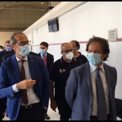 Il sottosegretario Costa in visita a Bari: ospedale Fiera un modello da seguire