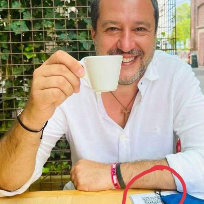Salvini vaccinato a Milano. Spunta anche l'indizio sui social