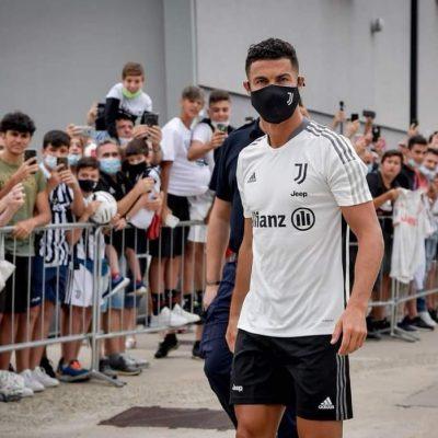Juventus, il ritorno di Cristiano Ronaldo. Cori e applausi per il portoghese