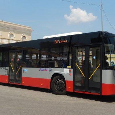 Disabile abusata su bus di linea a Taranto, indagati 8 autisti