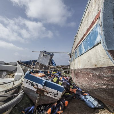 Naufragio al largo della Tunisia, 43 migranti annegati. Altri 14 cadaveri sulle coste della Libia