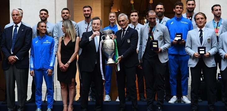 """Festeggiamenti nazionale a Roma, il prefetto: """"Giro su bus scoperto non autorizzato"""". Replica la FIGC: """"Sì da Mattarella e Draghi"""""""